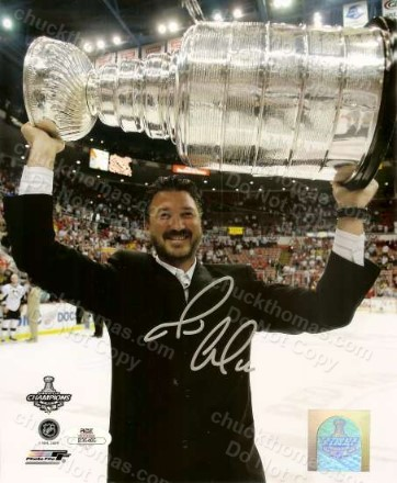 Mario Lemieux Signed 2009 Stanley Cup Photo with an ACE COA