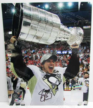 Sidney Crosby Autographed Stanley Cup Photo