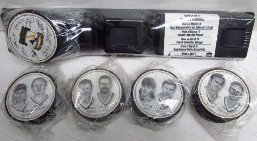Pittsburgh Penguins 1997 Set of 5 Player Pucks with Stand from Burger King