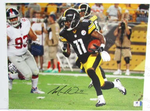Steeler Markus Wheaton Signed 11 x 14 Action Photo with a Global COA